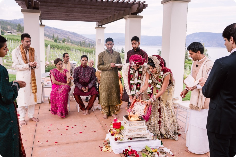 Hindu-wedding-ceremony_Kelowna_Cedar-Creek_Sparkling-Hill_159_by-Kevin-Trowbridge