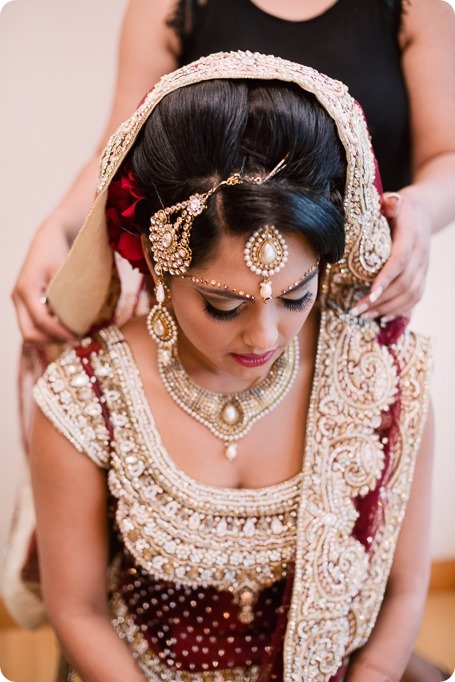 Hindu-wedding-ceremony_Kelowna_Cedar-Creek_Sparkling-Hill_15_by-Kevin-Trowbridge