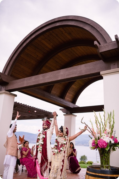 Hindu-wedding-ceremony_Kelowna_Cedar-Creek_Sparkling-Hill_174_by-Kevin-Trowbridge