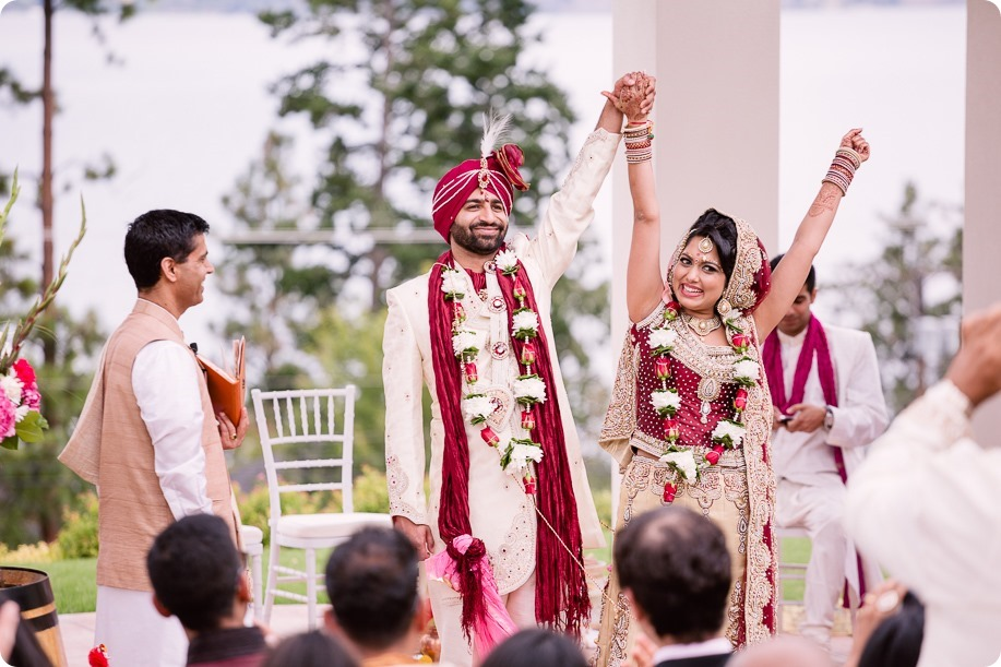 Hindu-wedding-ceremony_Kelowna_Cedar-Creek_Sparkling-Hill_175_by-Kevin-Trowbridge