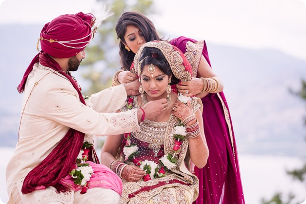 Hindu-wedding-ceremony_Kelowna_Cedar-Creek_Sparkling-Hill_181_by-Kevin-Trowbridge