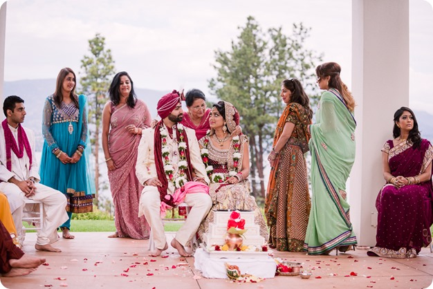 Hindu-wedding-ceremony_Kelowna_Cedar-Creek_Sparkling-Hill_183_by-Kevin-Trowbridge