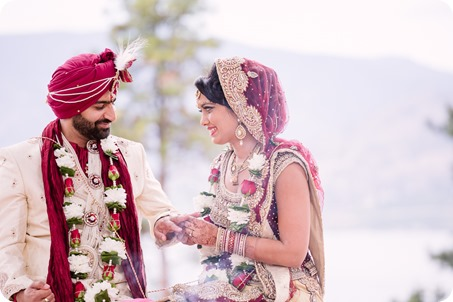 Hindu-wedding-ceremony_Kelowna_Cedar-Creek_Sparkling-Hill_189_by-Kevin-Trowbridge