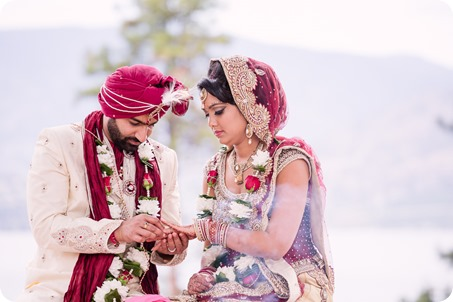 Hindu-wedding-ceremony_Kelowna_Cedar-Creek_Sparkling-Hill_190_by-Kevin-Trowbridge