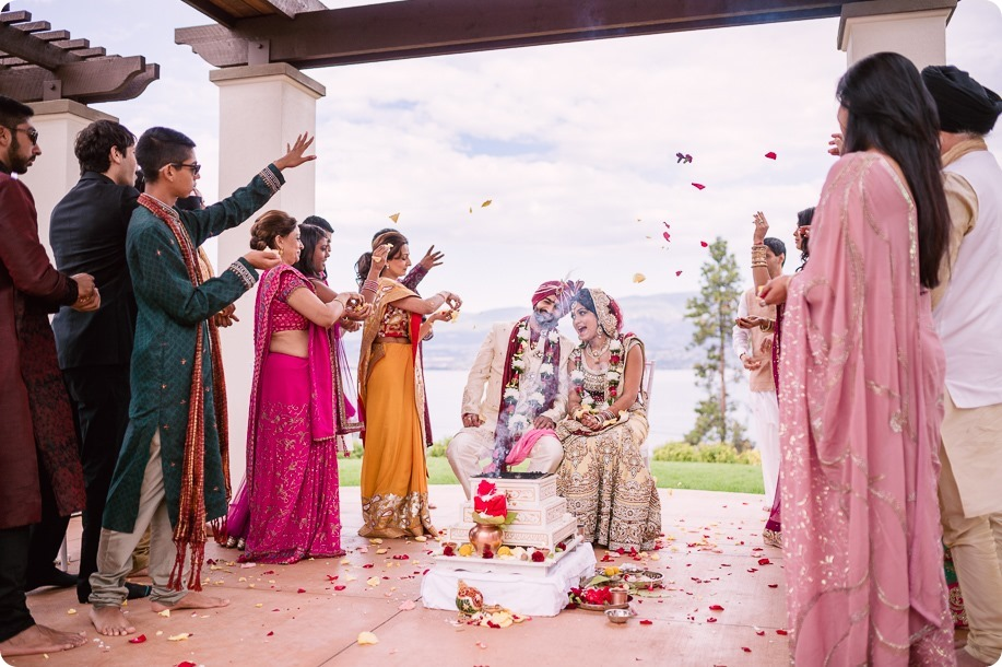 Hindu-wedding-ceremony_Kelowna_Cedar-Creek_Sparkling-Hill_199_by-Kevin-Trowbridge