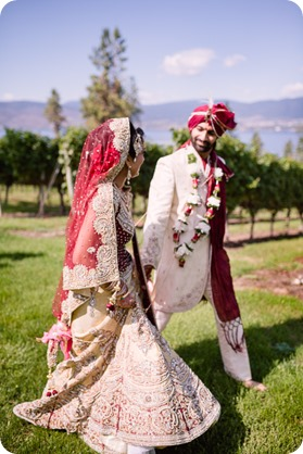 Hindu-wedding-ceremony_Kelowna_Cedar-Creek_Sparkling-Hill_207_by-Kevin-Trowbridge