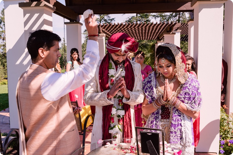 Hindu-wedding-ceremony_Kelowna_Cedar-Creek_Sparkling-Hill_210_by-Kevin-Trowbridge