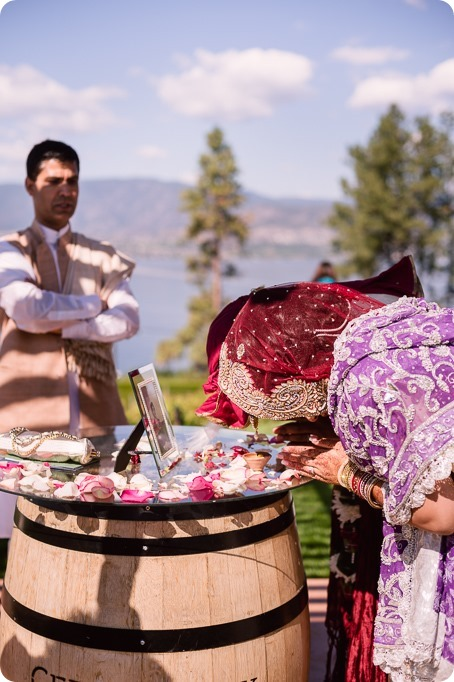 Hindu-wedding-ceremony_Kelowna_Cedar-Creek_Sparkling-Hill_211_by-Kevin-Trowbridge