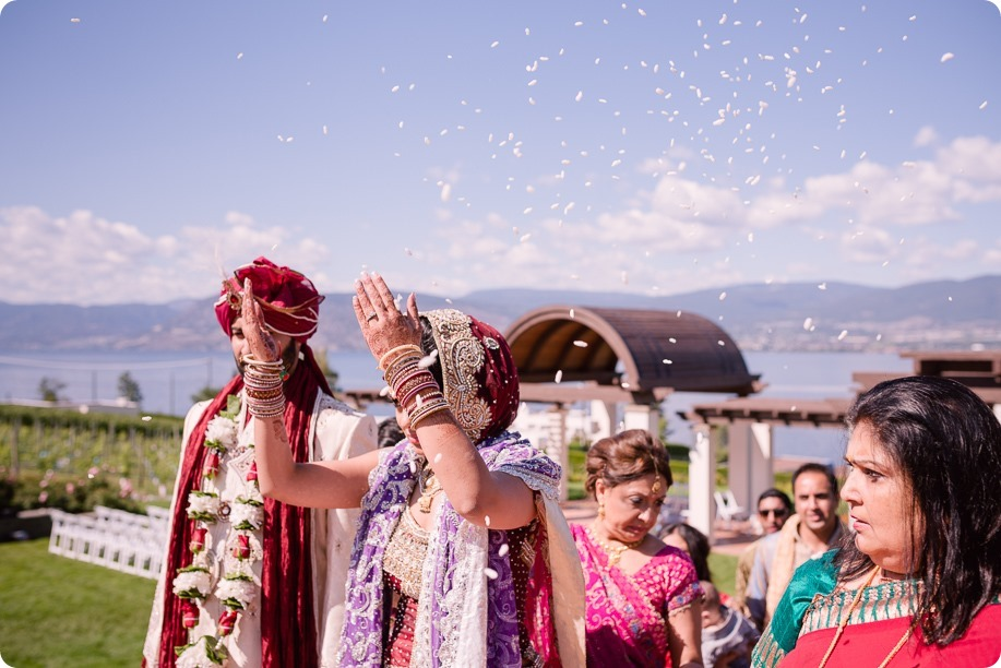 Hindu-wedding-ceremony_Kelowna_Cedar-Creek_Sparkling-Hill_217_by-Kevin-Trowbridge