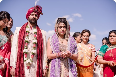 Hindu-wedding-ceremony_Kelowna_Cedar-Creek_Sparkling-Hill_219_by-Kevin-Trowbridge