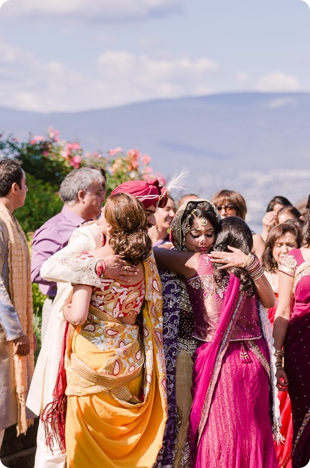 Hindu-wedding-ceremony_Kelowna_Cedar-Creek_Sparkling-Hill_223_by-Kevin-Trowbridge
