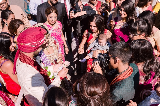 Hindu-wedding-ceremony_Kelowna_Cedar-Creek_Sparkling-Hill_227_by-Kevin-Trowbridge