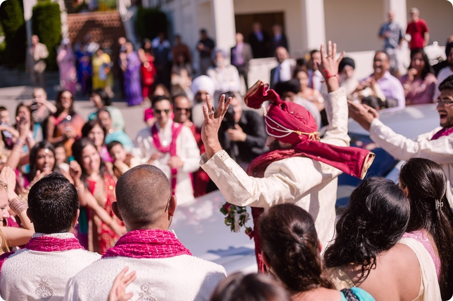 Hindu-wedding-ceremony_Kelowna_Cedar-Creek_Sparkling-Hill_234_by-Kevin-Trowbridge