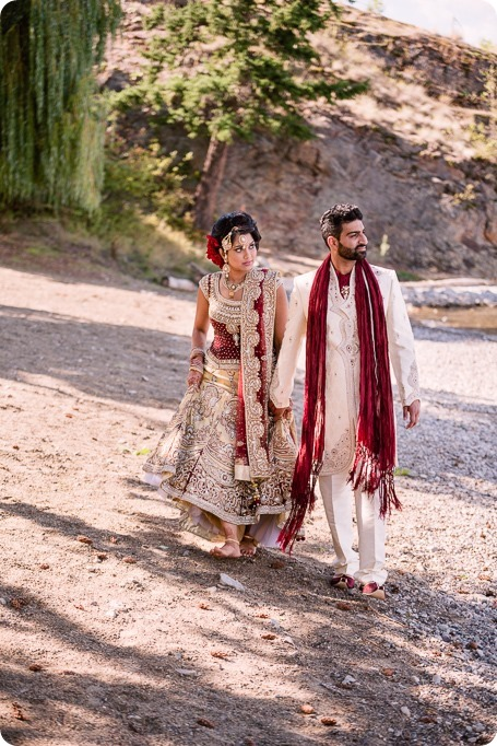 Hindu-wedding-ceremony_Kelowna_Cedar-Creek_Sparkling-Hill_246_by-Kevin-Trowbridge