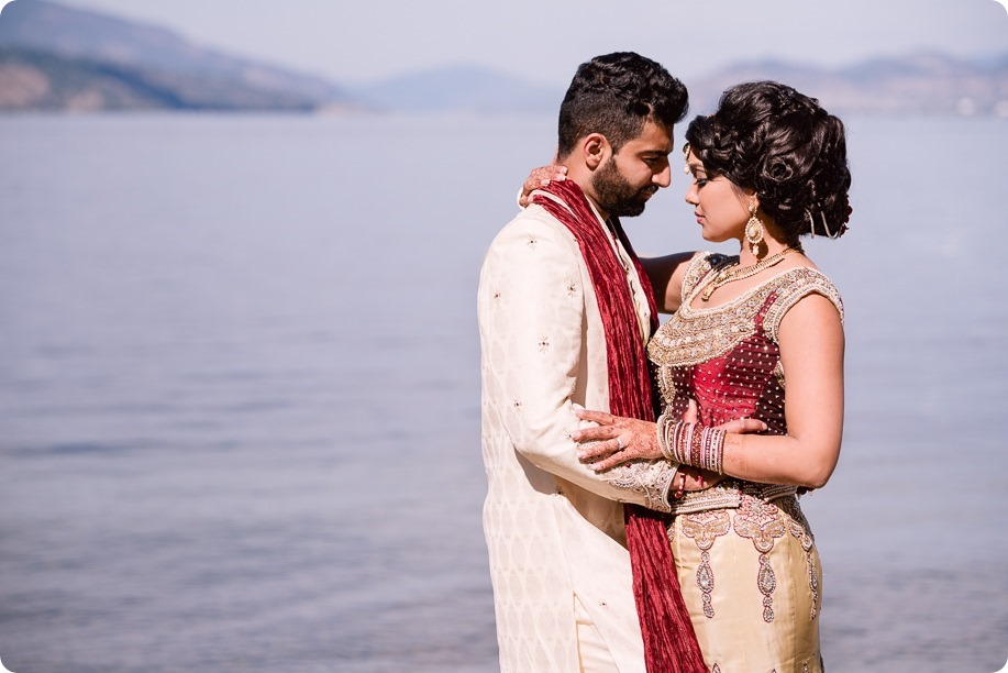 Hindu-wedding-ceremony_Kelowna_Cedar-Creek_Sparkling-Hill_253_by-Kevin-Trowbridge
