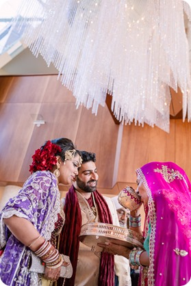 Hindu-wedding-ceremony_Kelowna_Cedar-Creek_Sparkling-Hill_265_by-Kevin-Trowbridge