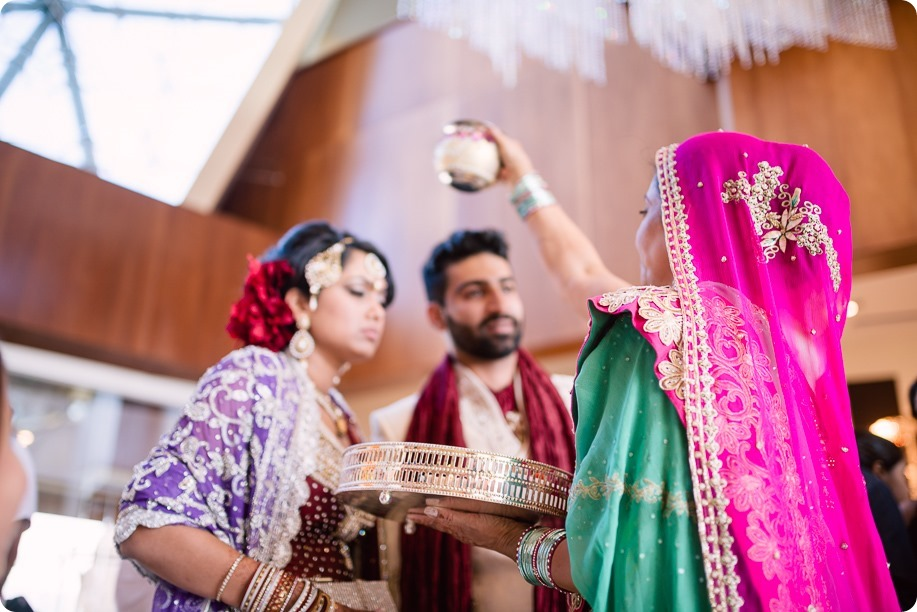 Hindu-wedding-ceremony_Kelowna_Cedar-Creek_Sparkling-Hill_266_by-Kevin-Trowbridge