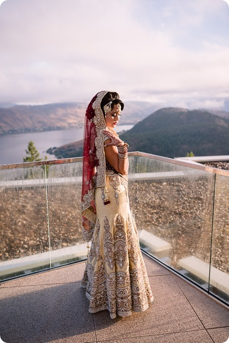 Hindu-wedding-ceremony_Kelowna_Cedar-Creek_Sparkling-Hill_28_by-Kevin-Trowbridge