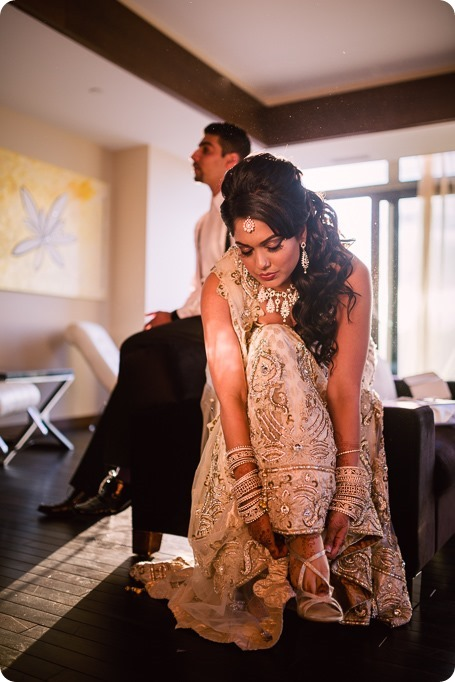 Hindu-wedding-ceremony_Kelowna_Cedar-Creek_Sparkling-Hill_292_by-Kevin-Trowbridge