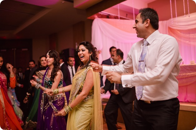 Hindu-wedding-ceremony_Kelowna_Cedar-Creek_Sparkling-Hill_387_by-Kevin-Trowbridge
