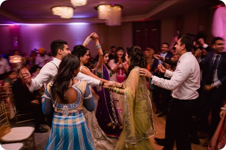 Hindu-wedding-ceremony_Kelowna_Cedar-Creek_Sparkling-Hill_391_by-Kevin-Trowbridge