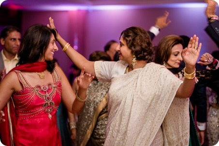 Hindu-wedding-ceremony_Kelowna_Cedar-Creek_Sparkling-Hill_400_by-Kevin-Trowbridge