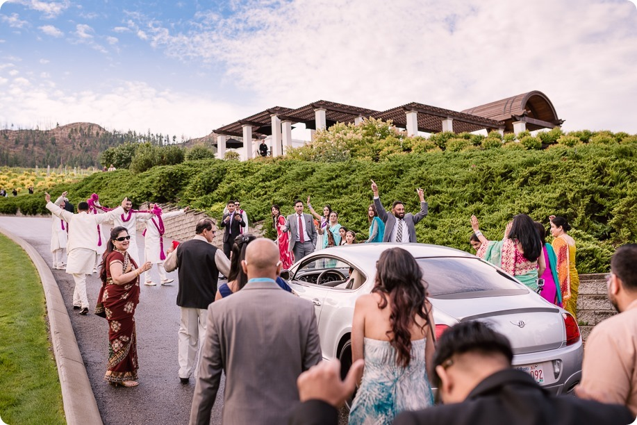Hindu-wedding-ceremony_Kelowna_Cedar-Creek_Sparkling-Hill_46_by-Kevin-Trowbridge