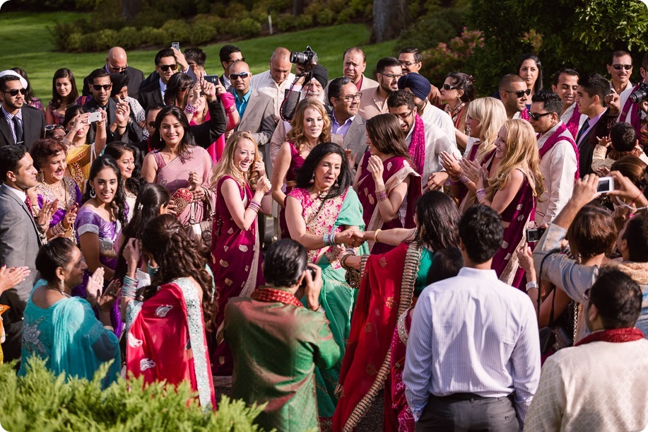 Hindu-wedding-ceremony_Kelowna_Cedar-Creek_Sparkling-Hill_50_by-Kevin-Trowbridge