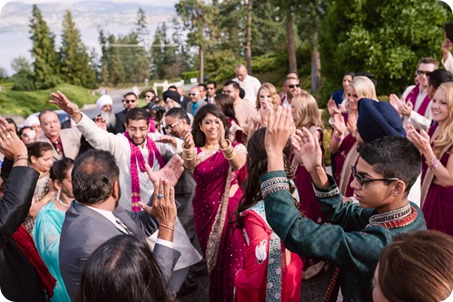 Hindu-wedding-ceremony_Kelowna_Cedar-Creek_Sparkling-Hill_52_by-Kevin-Trowbridge