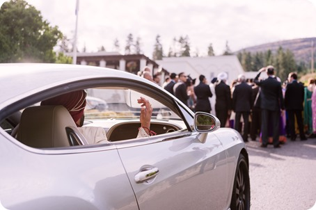 Hindu-wedding-ceremony_Kelowna_Cedar-Creek_Sparkling-Hill_54_by-Kevin-Trowbridge