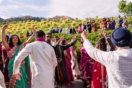 Hindu-wedding-ceremony_Kelowna_Cedar-Creek_Sparkling-Hill_55_by-Kevin-Trowbridge