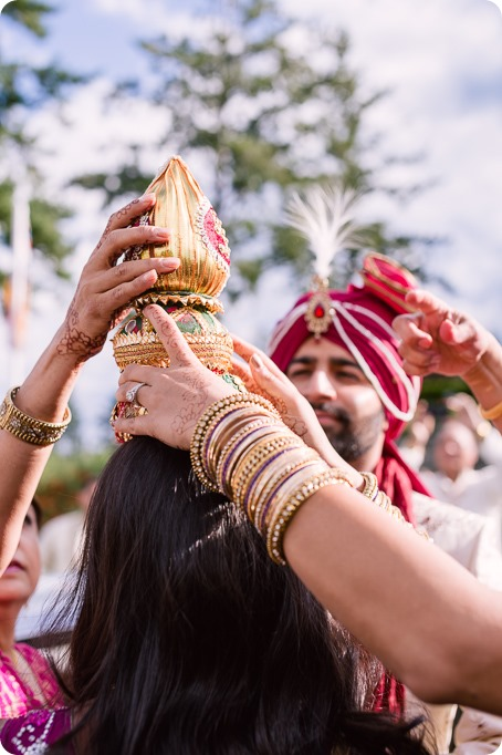 Hindu-wedding-ceremony_Kelowna_Cedar-Creek_Sparkling-Hill_62_by-Kevin-Trowbridge
