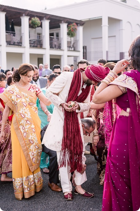 Hindu-wedding-ceremony_Kelowna_Cedar-Creek_Sparkling-Hill_65_by-Kevin-Trowbridge