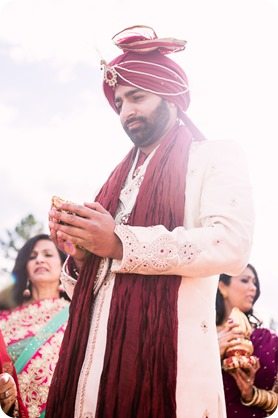 Hindu-wedding-ceremony_Kelowna_Cedar-Creek_Sparkling-Hill_74_by-Kevin-Trowbridge