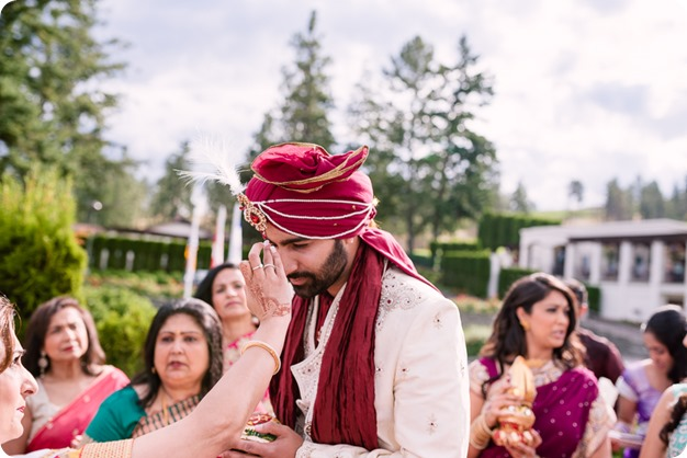 Hindu-wedding-ceremony_Kelowna_Cedar-Creek_Sparkling-Hill_75_by-Kevin-Trowbridge