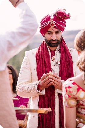 Hindu-wedding-ceremony_Kelowna_Cedar-Creek_Sparkling-Hill_78_by-Kevin-Trowbridge