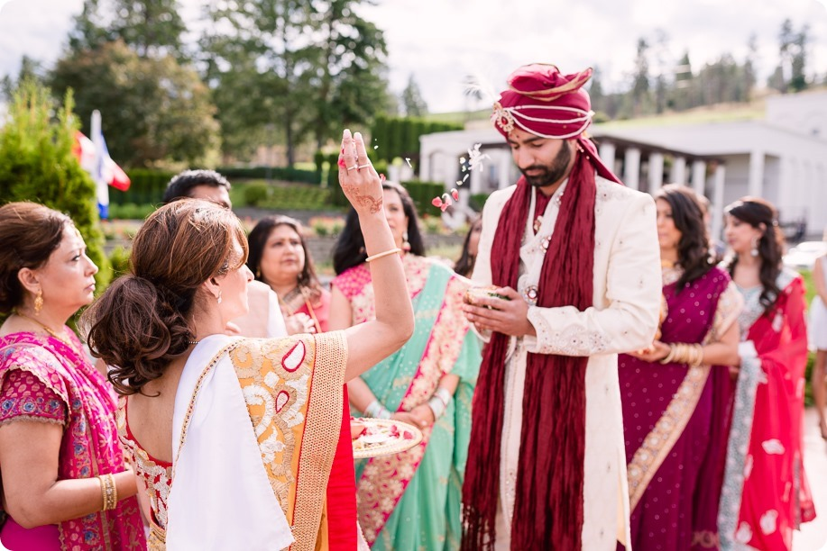 Hindu-wedding-ceremony_Kelowna_Cedar-Creek_Sparkling-Hill_79_by-Kevin-Trowbridge