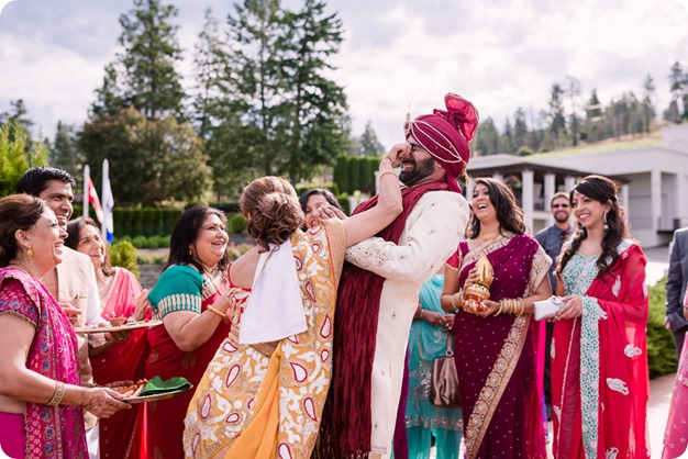 Hindu-wedding-ceremony_Kelowna_Cedar-Creek_Sparkling-Hill_81_by-Kevin-Trowbridge