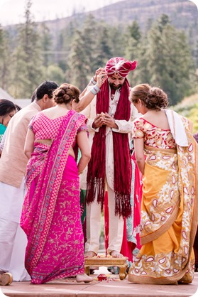Hindu-wedding-ceremony_Kelowna_Cedar-Creek_Sparkling-Hill_82_by-Kevin-Trowbridge