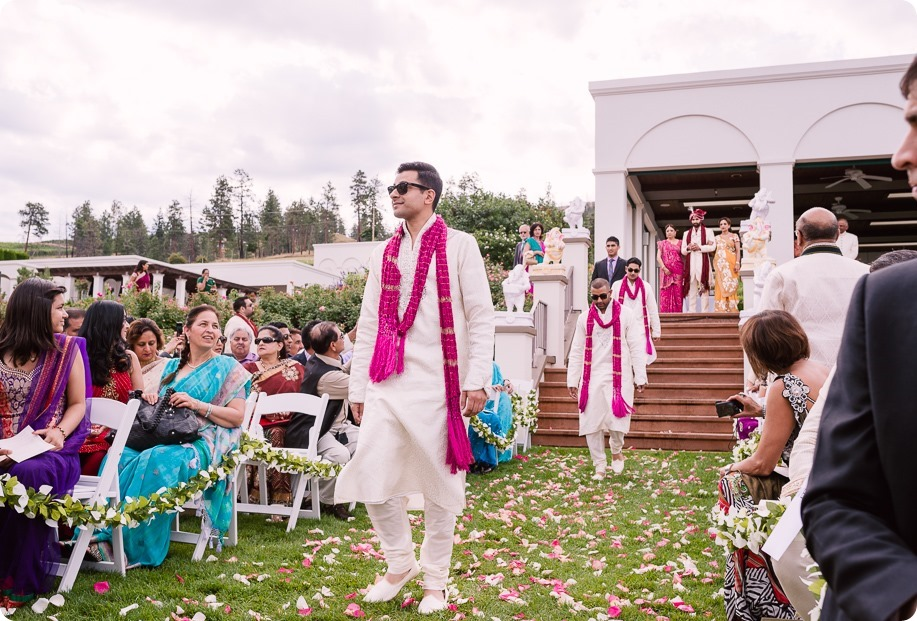 Hindu-wedding-ceremony_Kelowna_Cedar-Creek_Sparkling-Hill_87_by-Kevin-Trowbridge