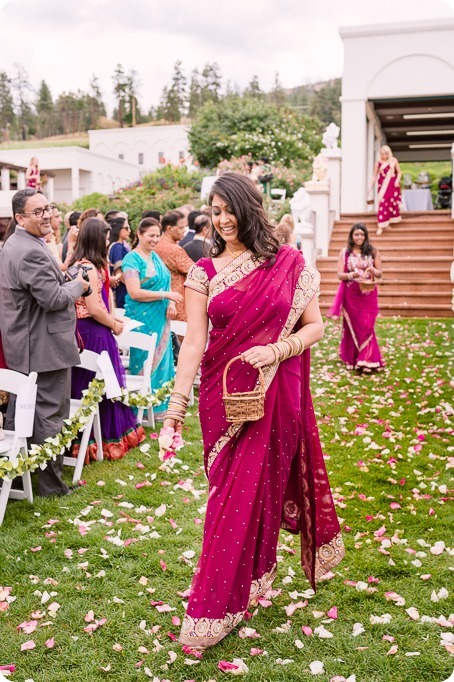Hindu-wedding-ceremony_Kelowna_Cedar-Creek_Sparkling-Hill_92_by-Kevin-Trowbridge