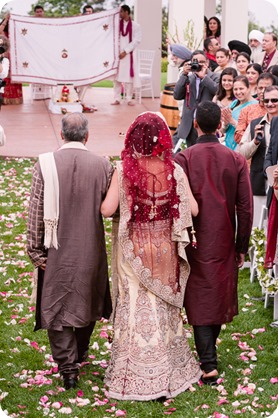 Hindu-wedding-ceremony_Kelowna_Cedar-Creek_Sparkling-Hill_94_by-Kevin-Trowbridge