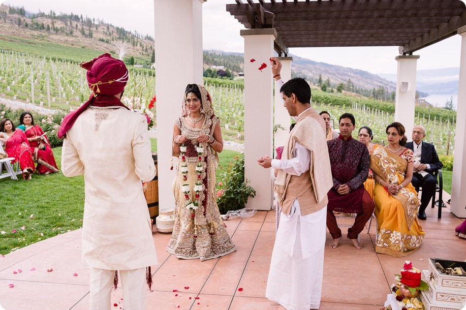 Hindu-wedding-ceremony_Kelowna_Cedar-Creek_Sparkling-Hill_99_by-Kevin-Trowbridge