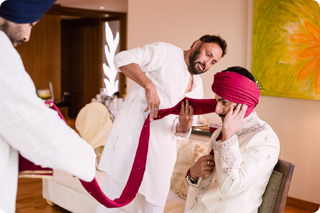 Hindu-wedding-ceremony_Kelowna_Cedar-Creek_Sparkling-Hill_grooms-turban_08_by-Kevin-Trowbridge