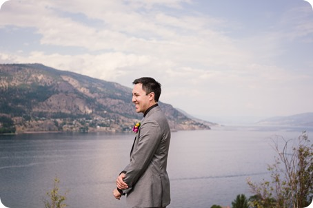 Kelowna-wedding-photographer_Harvest-Golf-Club_colourful-decor-theme_49203_by-Kevin-Trowbridge