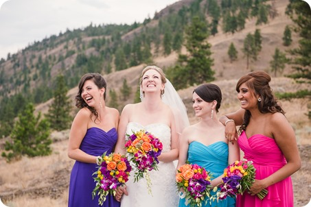 Kelowna-wedding-photographer_Harvest-Golf-Club_colourful-decor-theme_83622_by-Kevin-Trowbridge