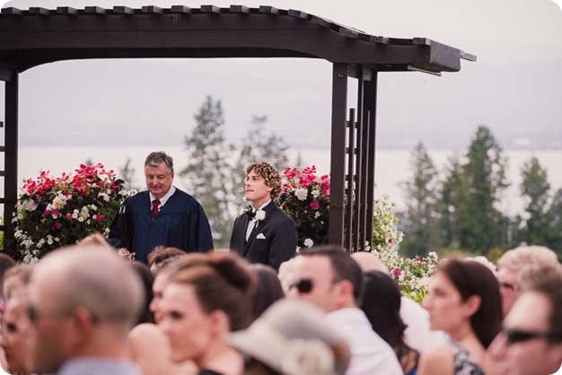Kelowna-wedding-photography_Summerhill-Winery_classic-mustang_40_by-Kevin-Trowbridge