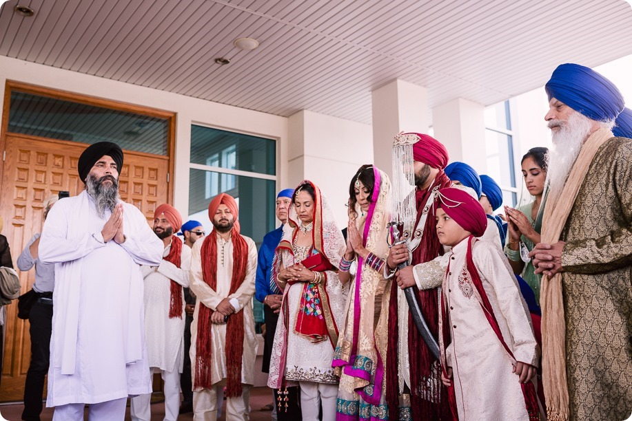 Sikh-Indian-wedding_Kelowna-Temple_Sparkling-Hill_102_by-Kevin-Trowbridge