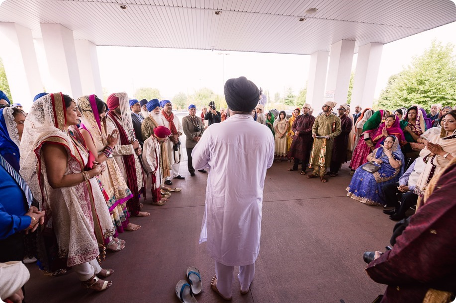 Sikh-Indian-wedding_Kelowna-Temple_Sparkling-Hill_104_by-Kevin-Trowbridge