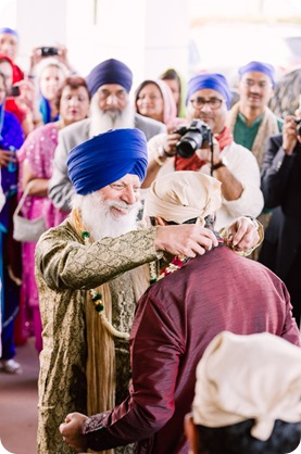 Sikh-Indian-wedding_Kelowna-Temple_Sparkling-Hill_107_by-Kevin-Trowbridge